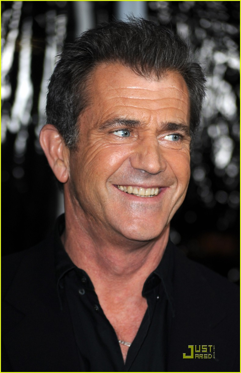 mel gibson is on the edge of darkness 292411860