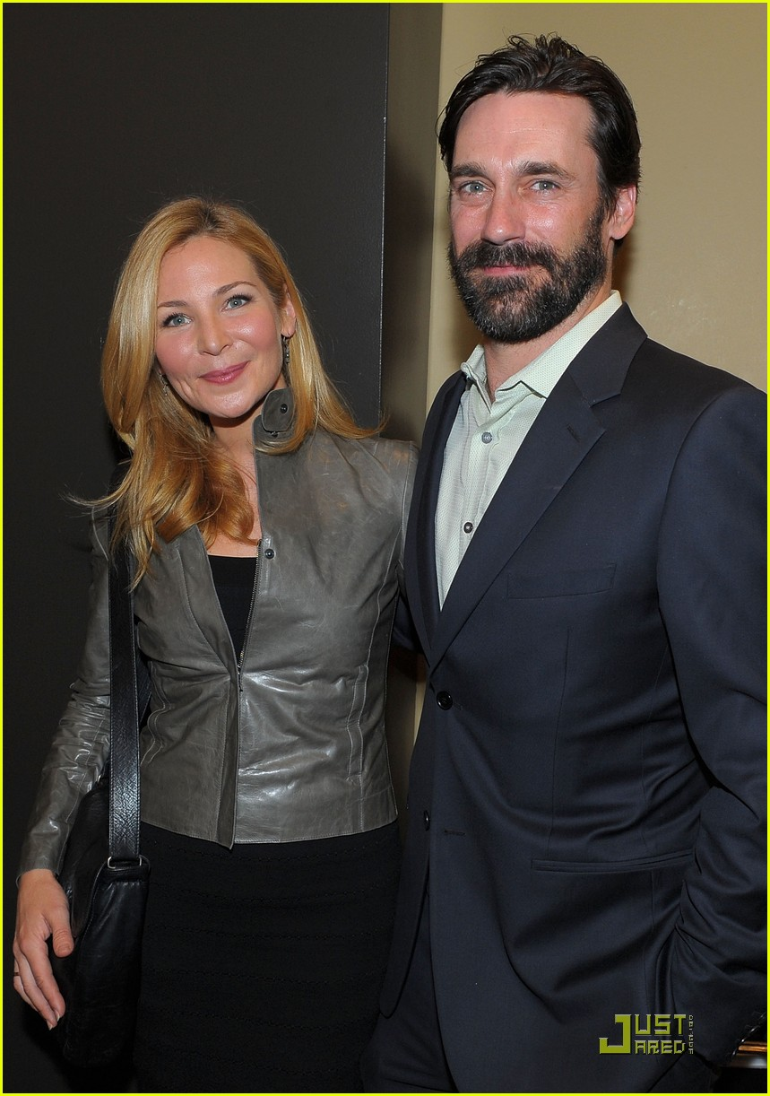 jon hamm boasts a beard 03