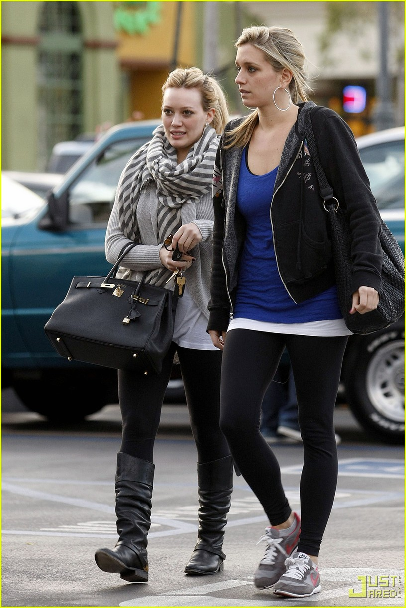 hilary duff lax airport ralphs 06
