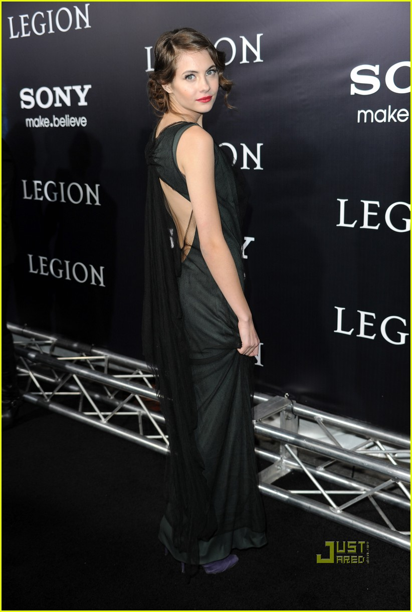 willa holland help haiti nails legion premiere 02
