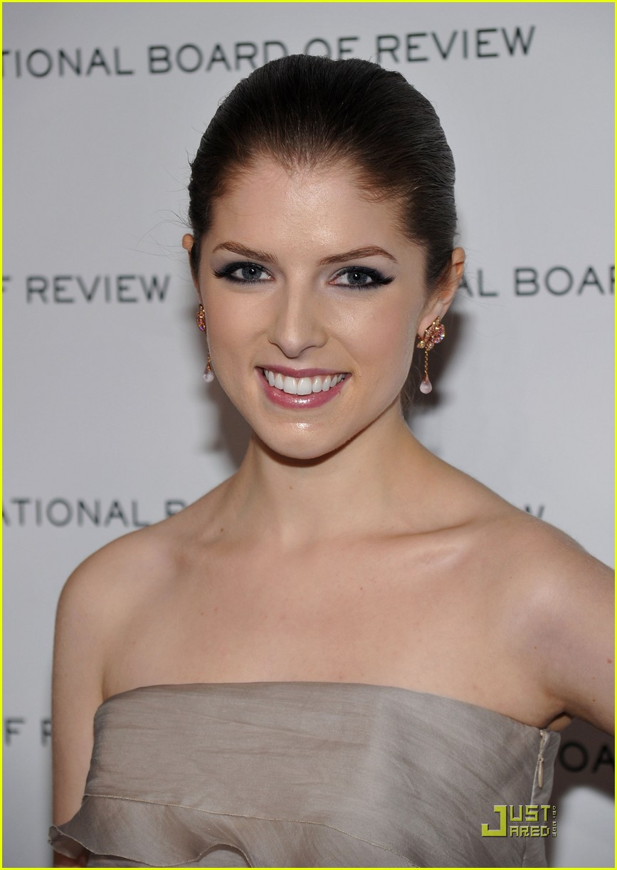 anna kendrick is up in the air 07