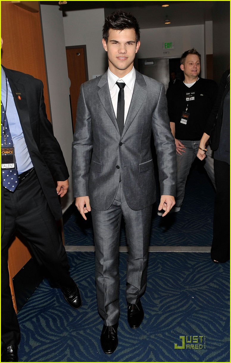 taylor lautner peoples choice 2010 04