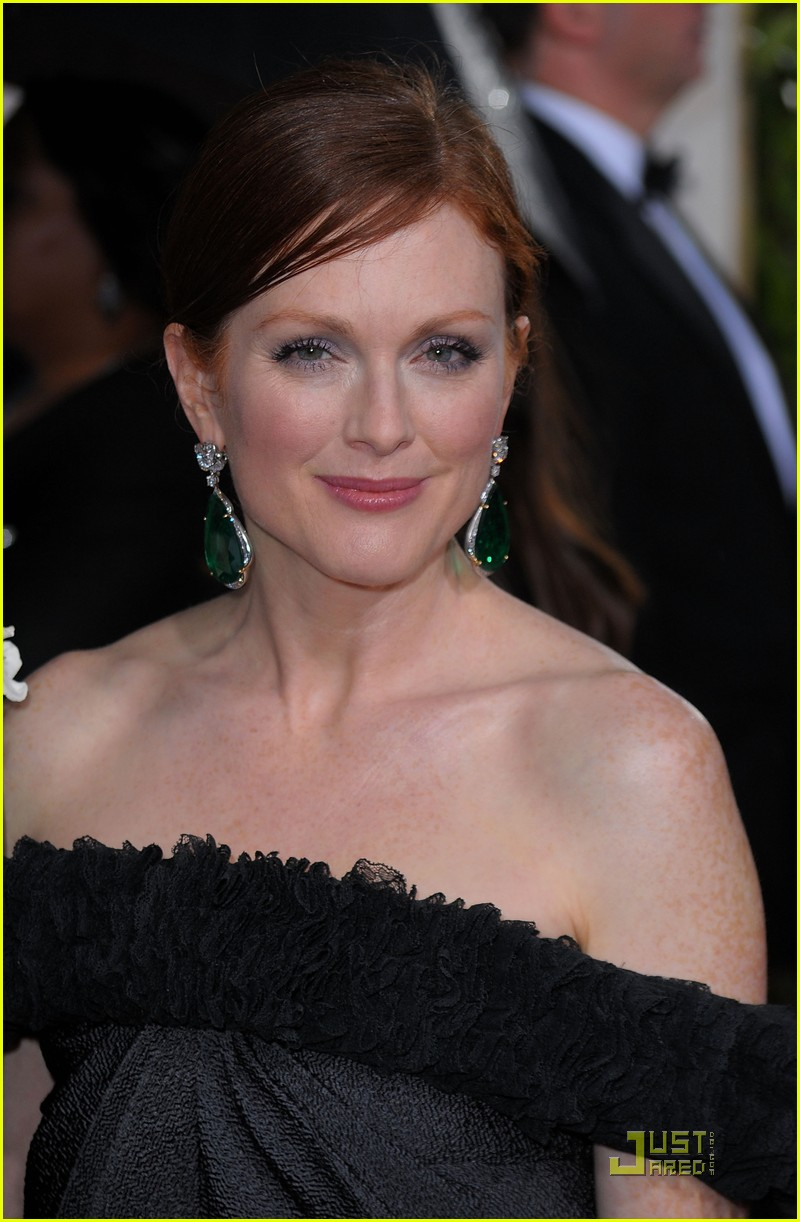 julianne moore golden globes 2010 04