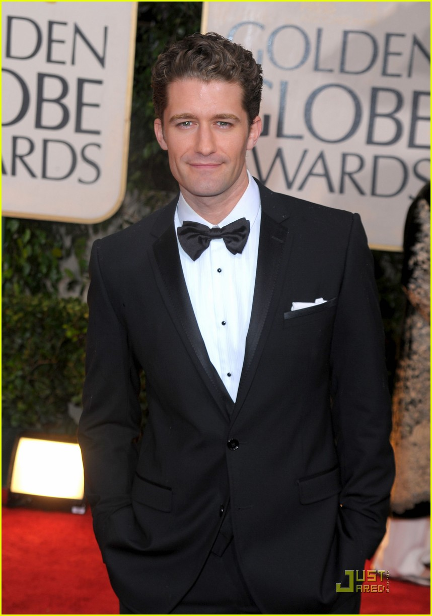 matthew morrison cory monteith 2010 golden globe awards red carpet 01