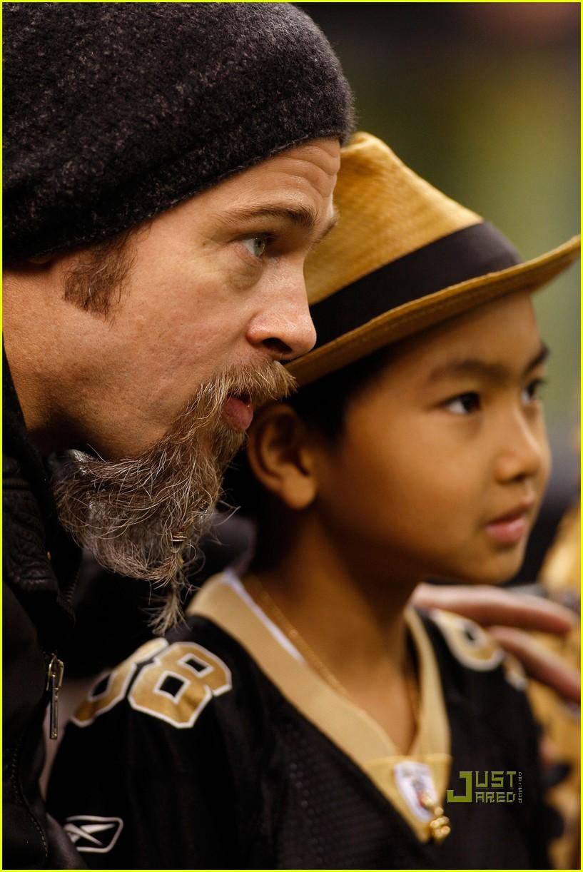 Brad Pitt & Maddox...