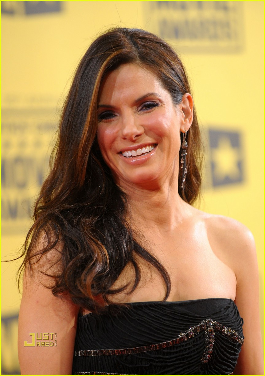 sandra bullock critics choice awards 2010 02