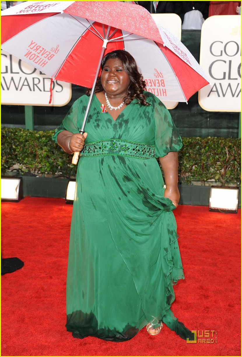 gabourey sidibe 2010 golden globe awards red carpet 02