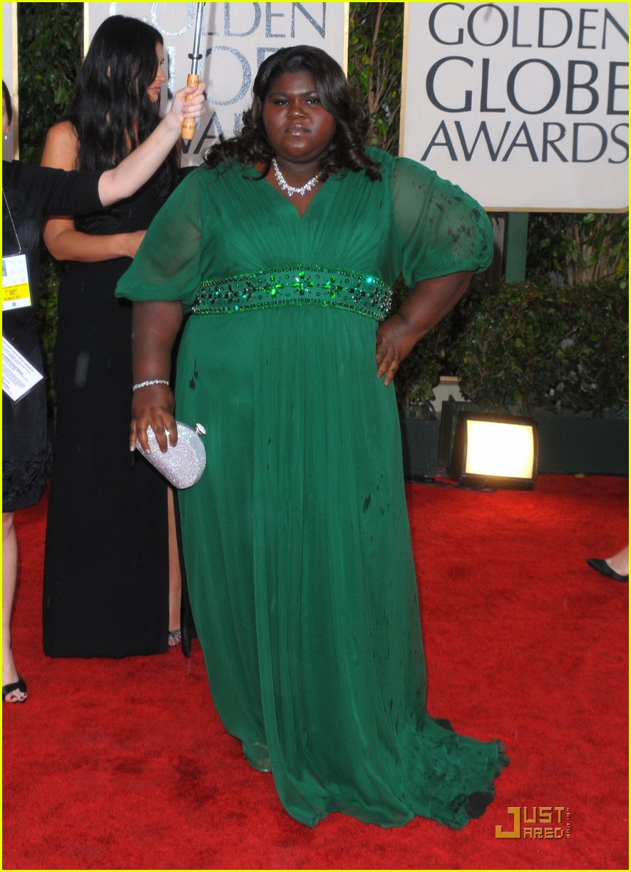 gabourey sidibe 2010 golden globe awards red carpet 03