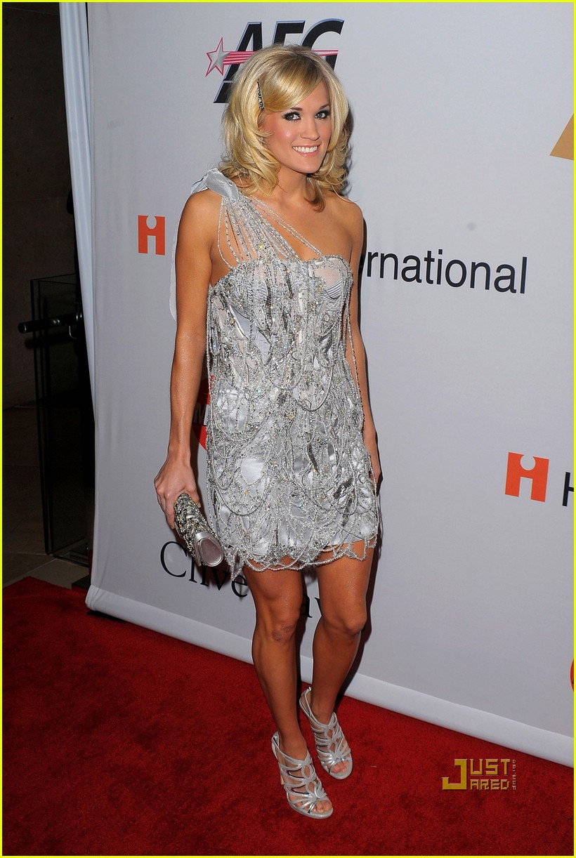 carrie underwood mike fisher grammys party clive davis01