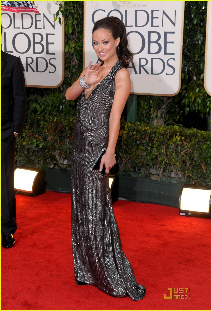 olivia wilde 2010 golden globe awards red carpet 01