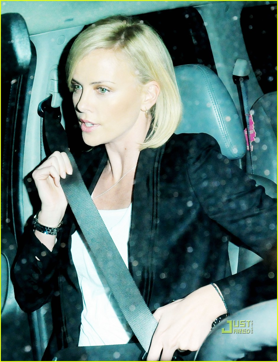 charlize theron hurt locker oscar nominations 022428142
