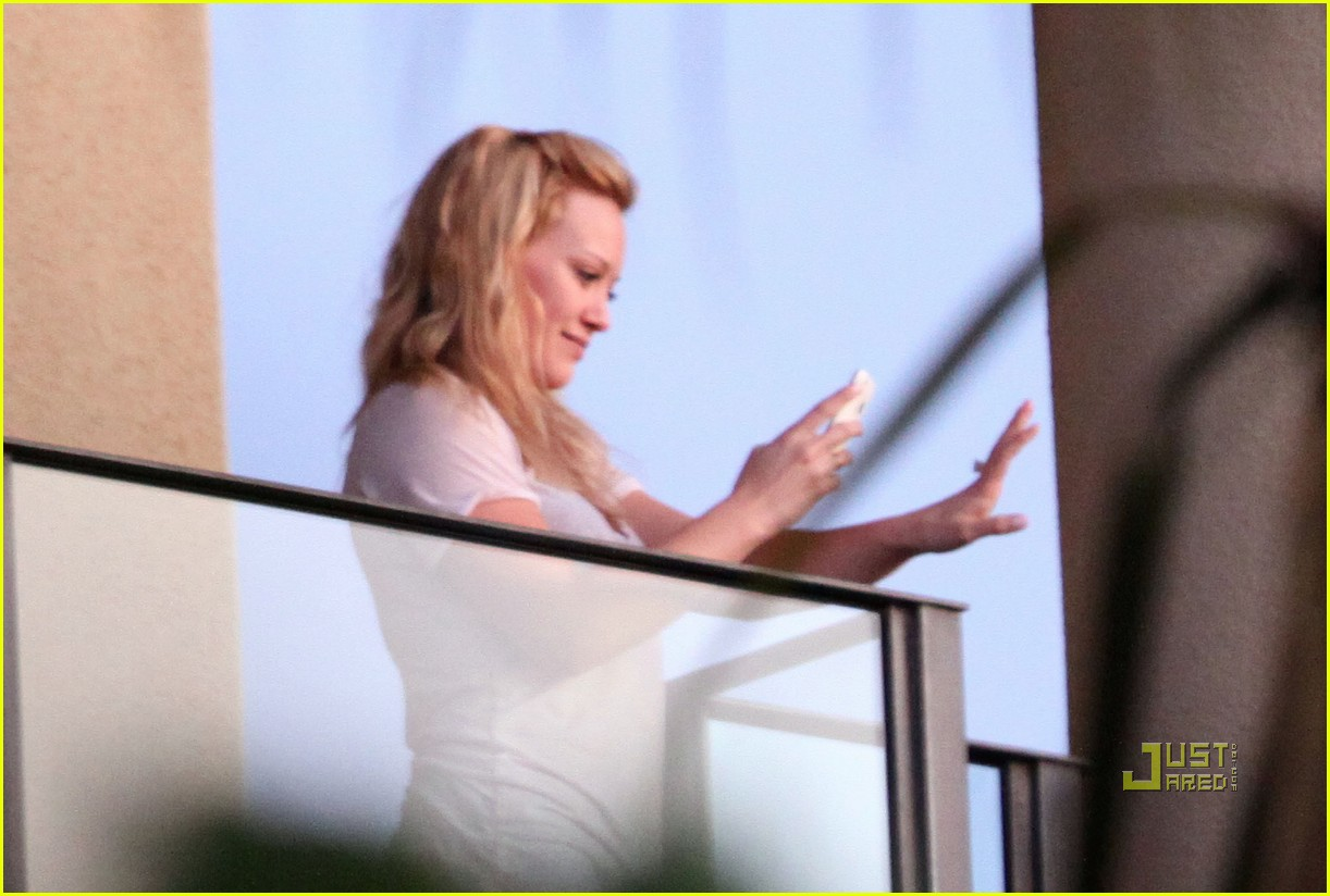 hilary duff mike comrie proposal hawaii 02