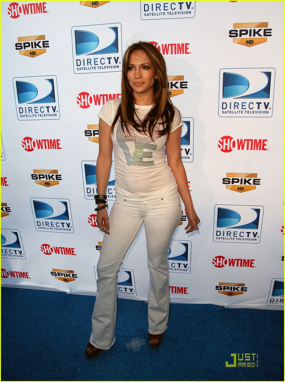 jennifer lopez directv celebrity beach bowl 02