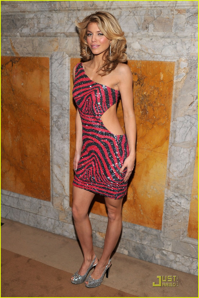 annalynne mccord cutout kisses 03