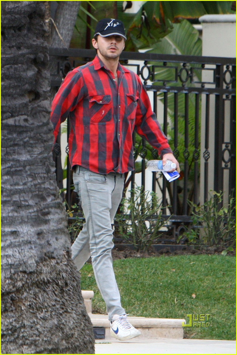 Full Sized Photo of shia labeouf al pacino house 15 ... Shia Labeouf