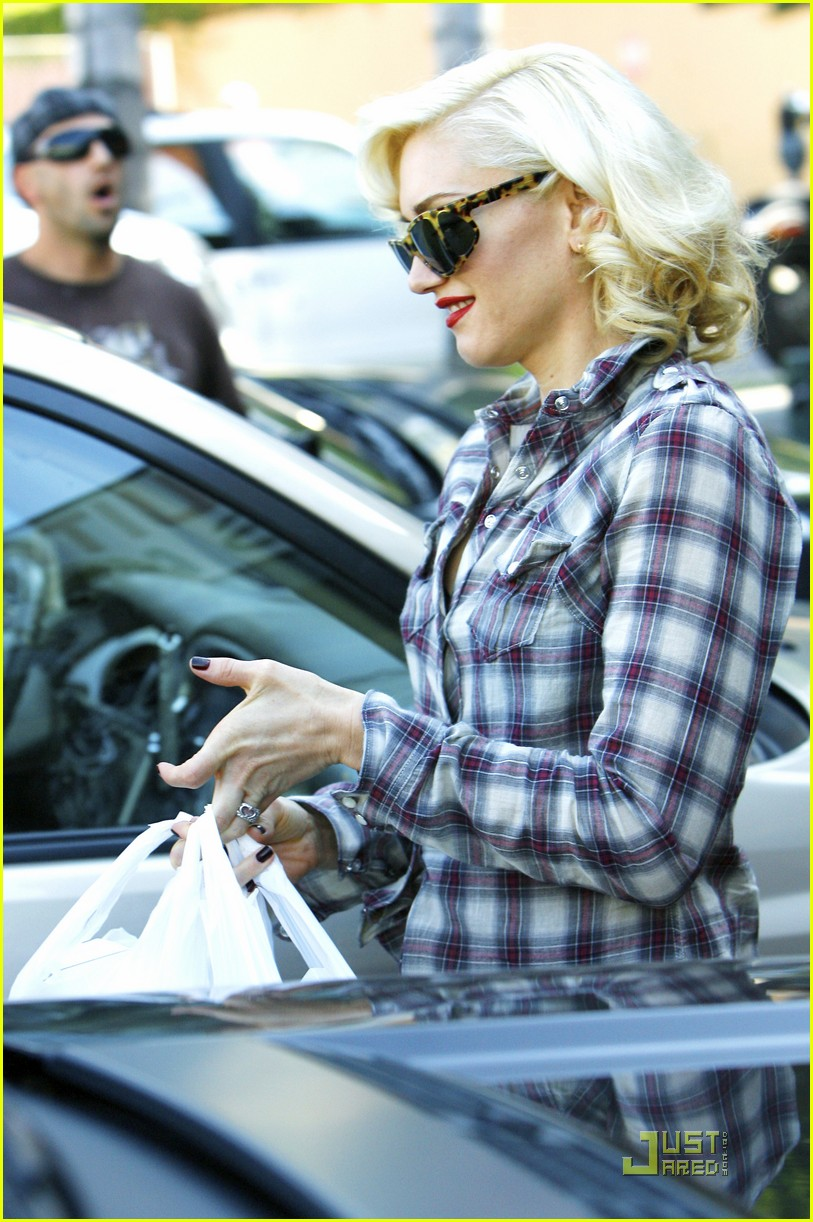 gwen stefani rossdale lunch lovebirds 072427636