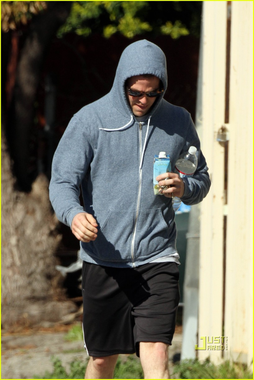 chris pine vita coco coconut water 05