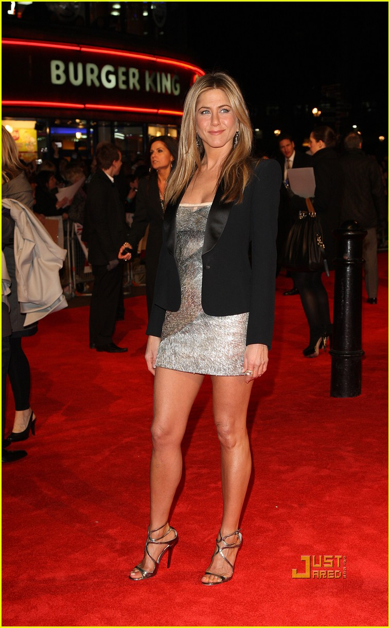 jennifer aniston bounty hunter uk premiere 132434035