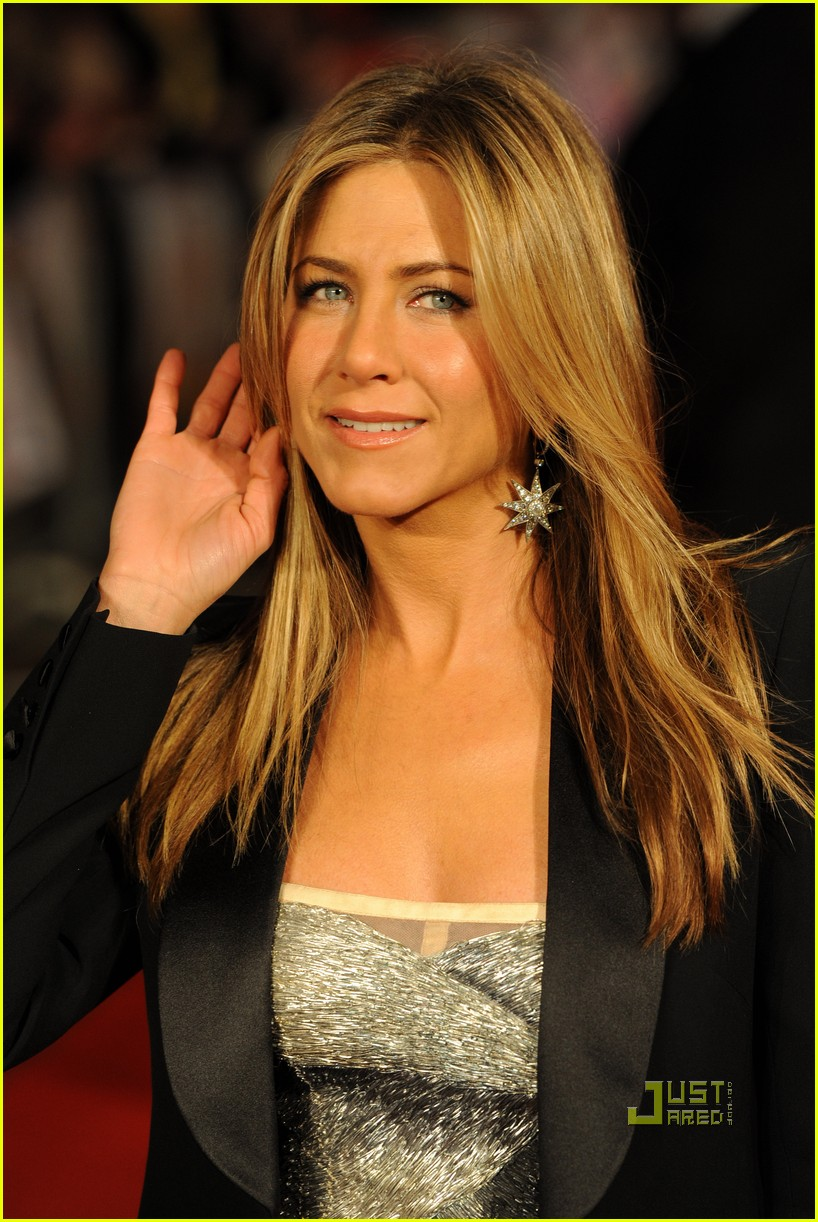 jennifer aniston bounty hunter uk premiere 18
