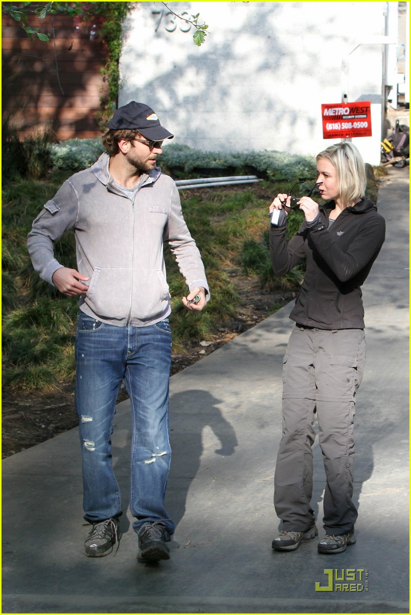 bradley cooper renee progress pair 06