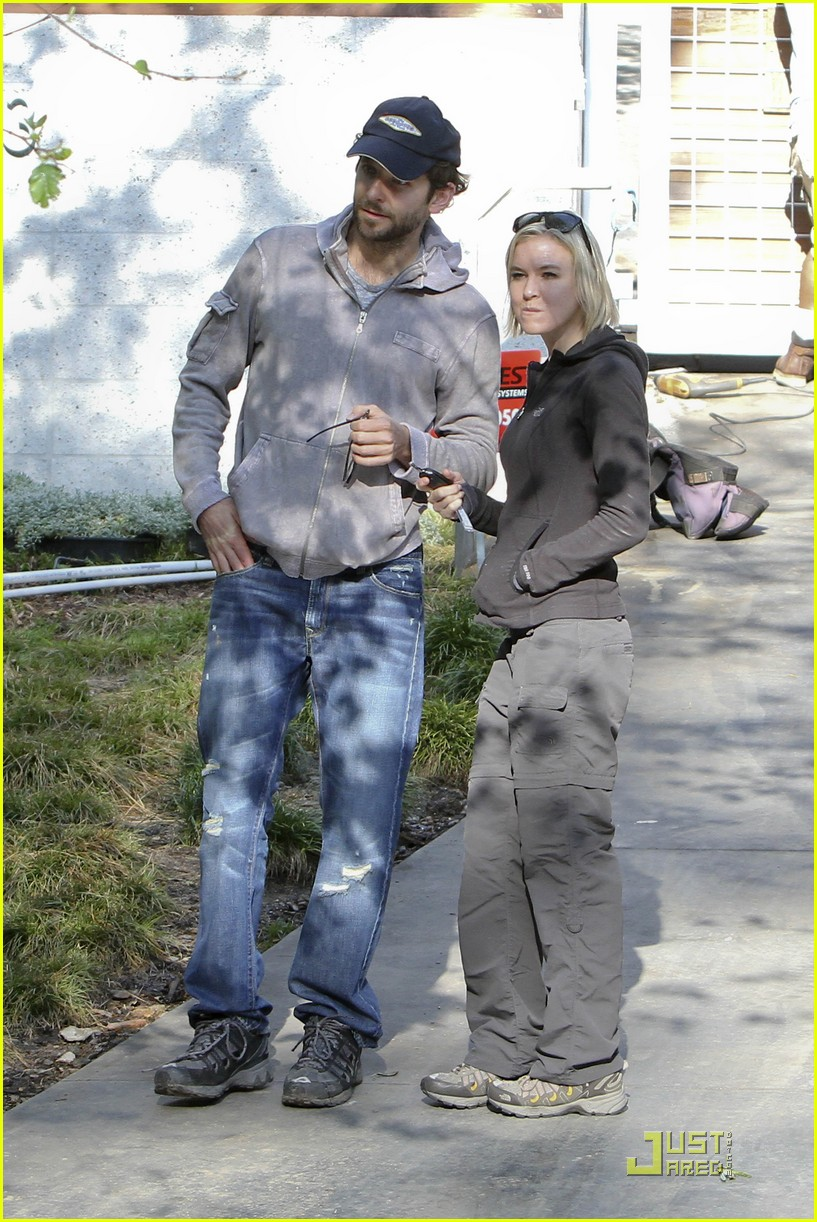 bradley cooper renee progress pair 12