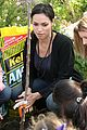 rosario dawson goes green 17