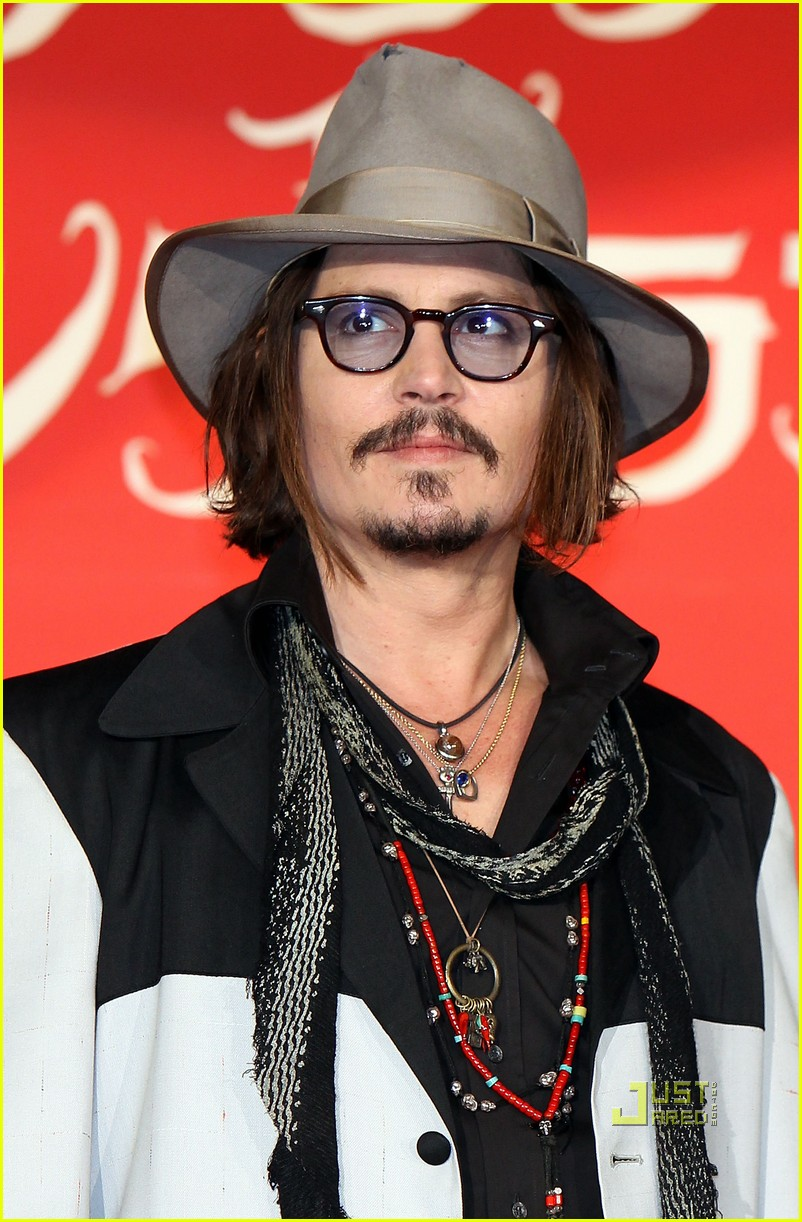 johnny depp alice in wonderland japan premire 04