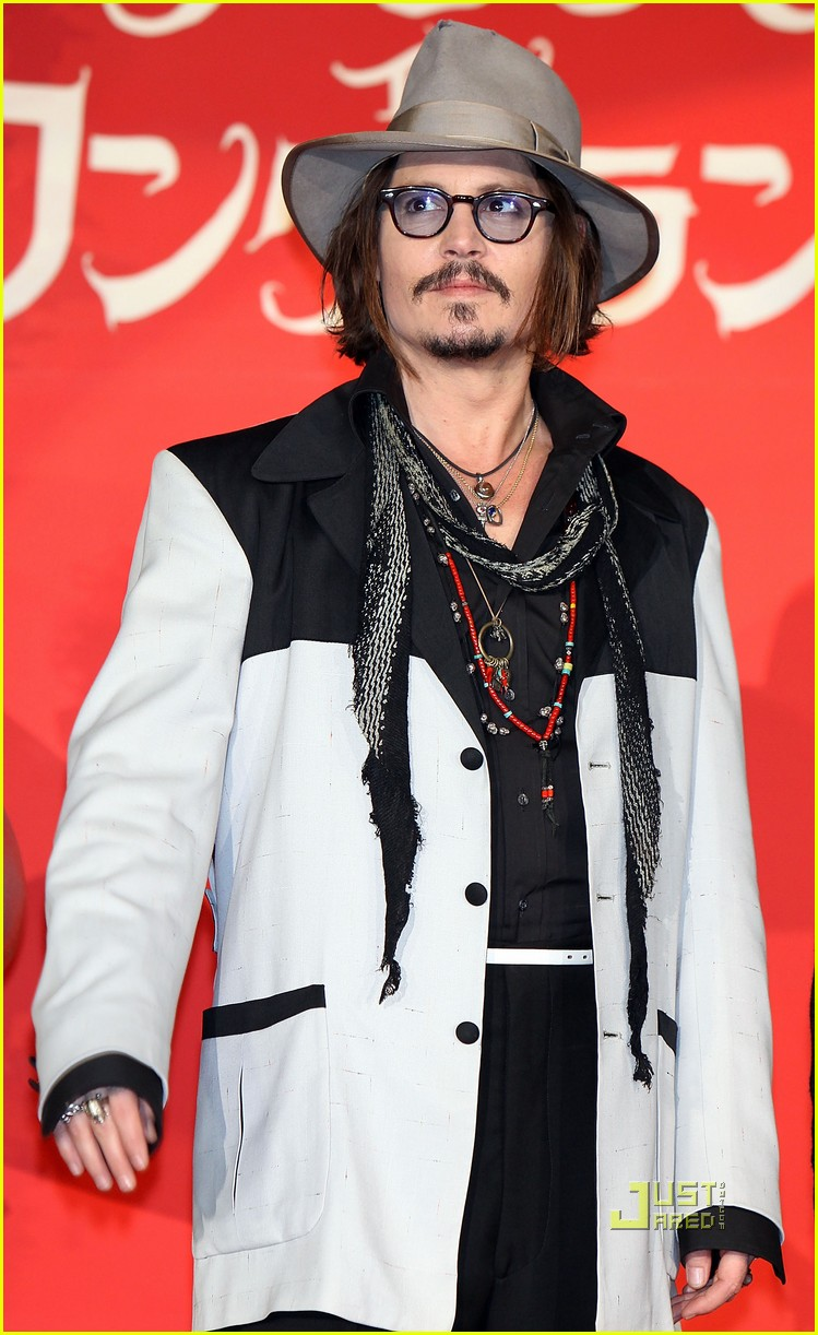 johnny depp alice in wonderland japan premire 06