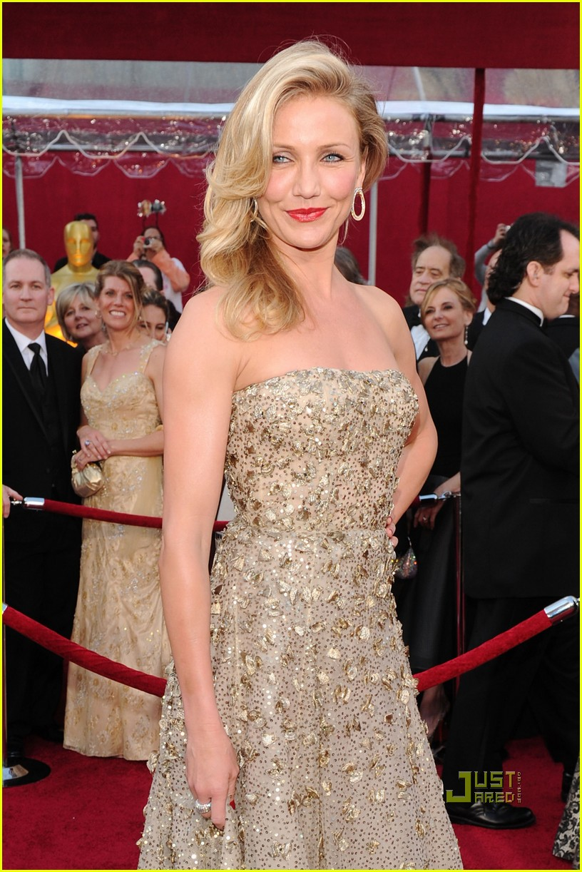 cameron diaz 2010 oscars red carpet 03