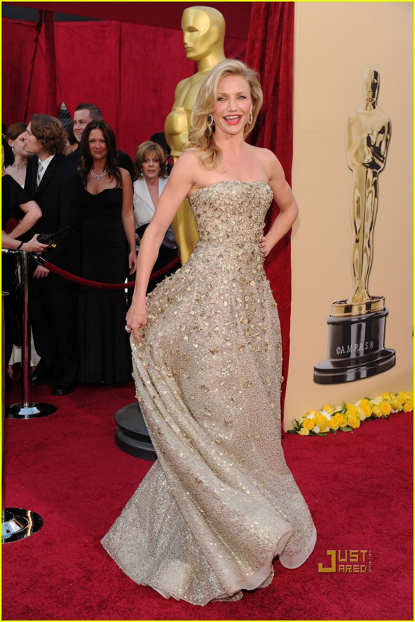 cameron diaz 2010 oscars red carpet 05