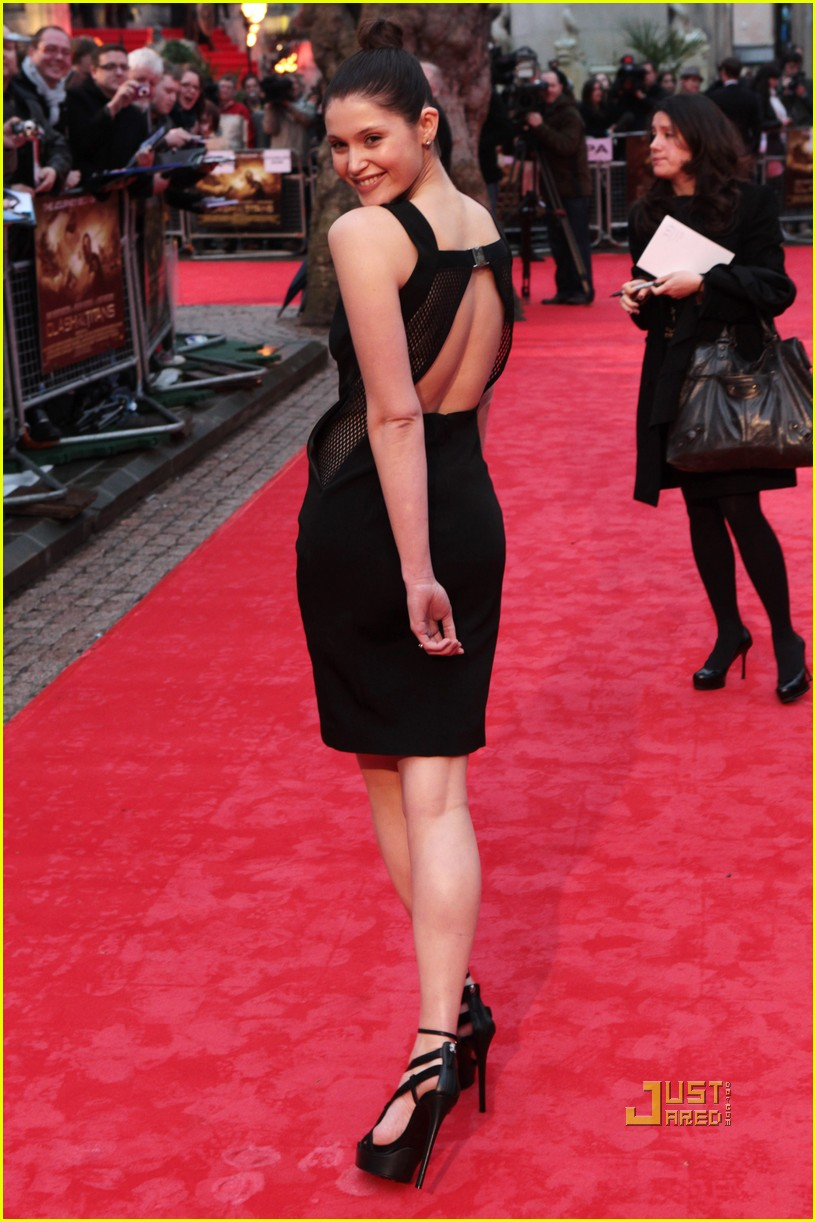 sam worthington gemma arterton premiere 13
