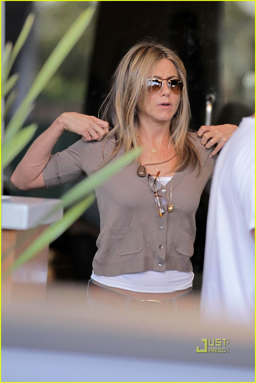 jennifer aniston just go with it 01