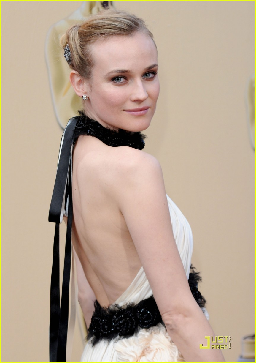 diane kruger 2010 oscars red carpet 04