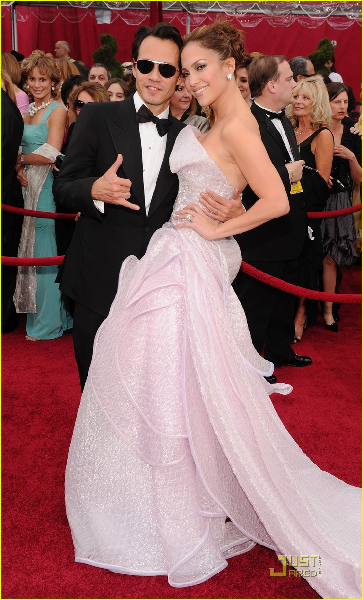 jennifer lopez oscars 2010 red carpet 04