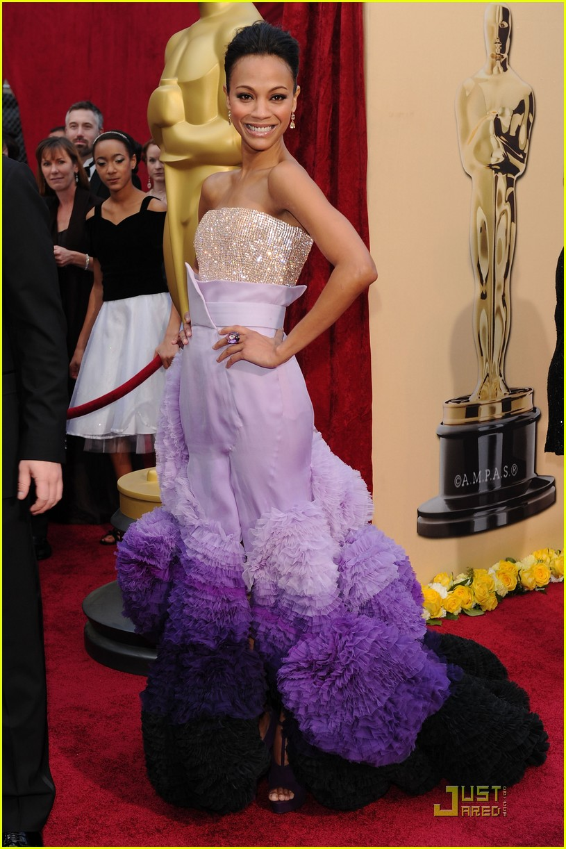 zoe saldana 2010 oscars red carpet 06