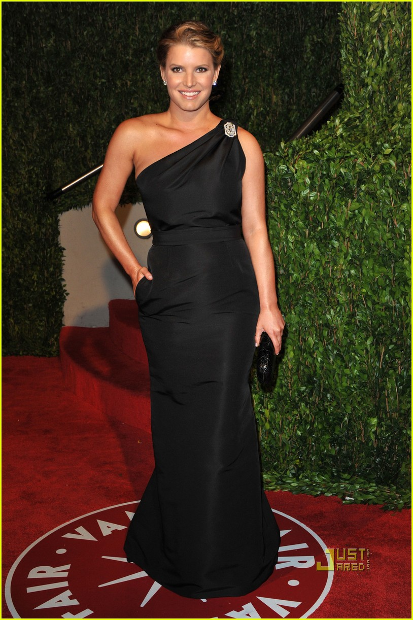 jessica simpson ken paves vanity fair 2010 oscar after party 03