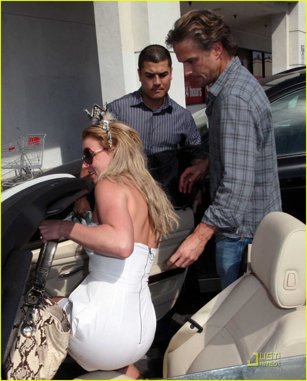 britney spears trawick hand in hand 062435588