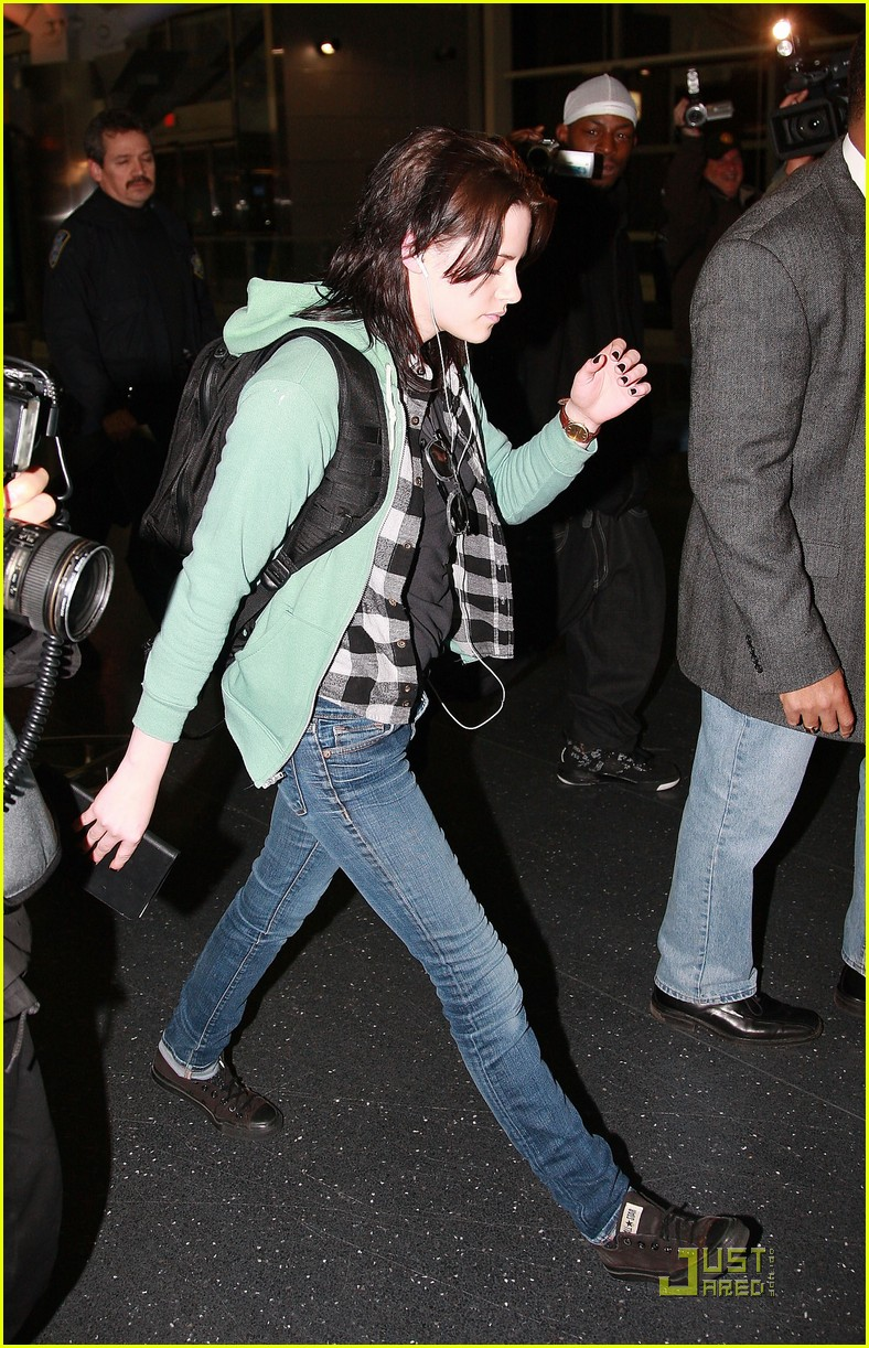 kristen stewart kindle cute 12