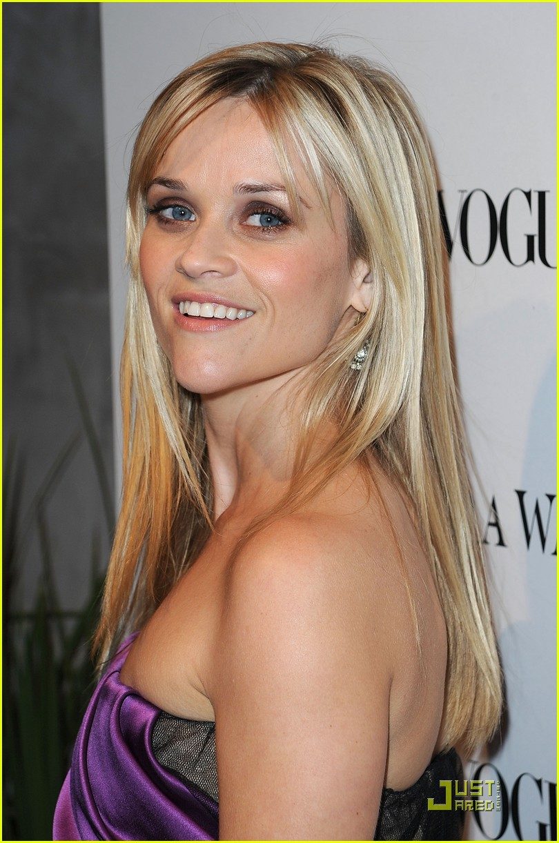 reese witherspoon views vera wang 112431600