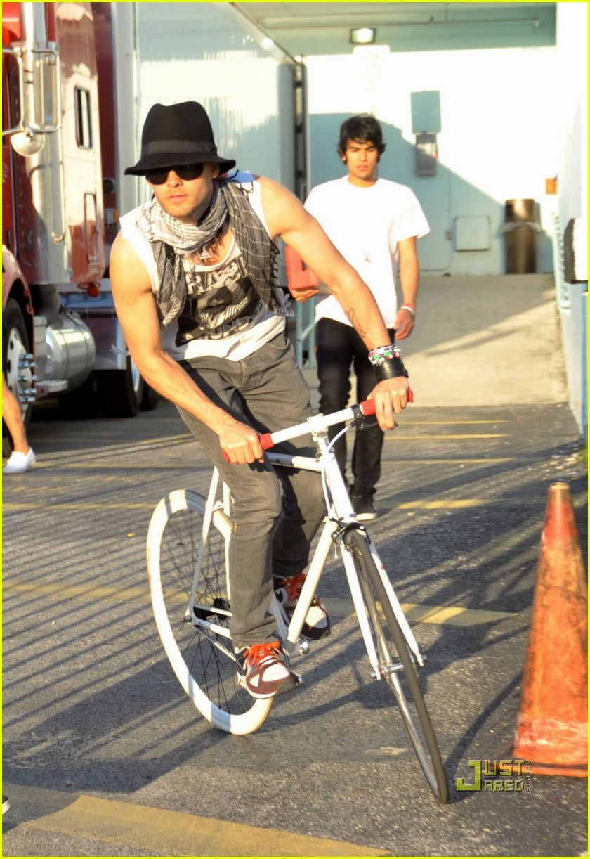 jared leto bicycle 14