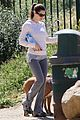 jessica biel walking dogs 01