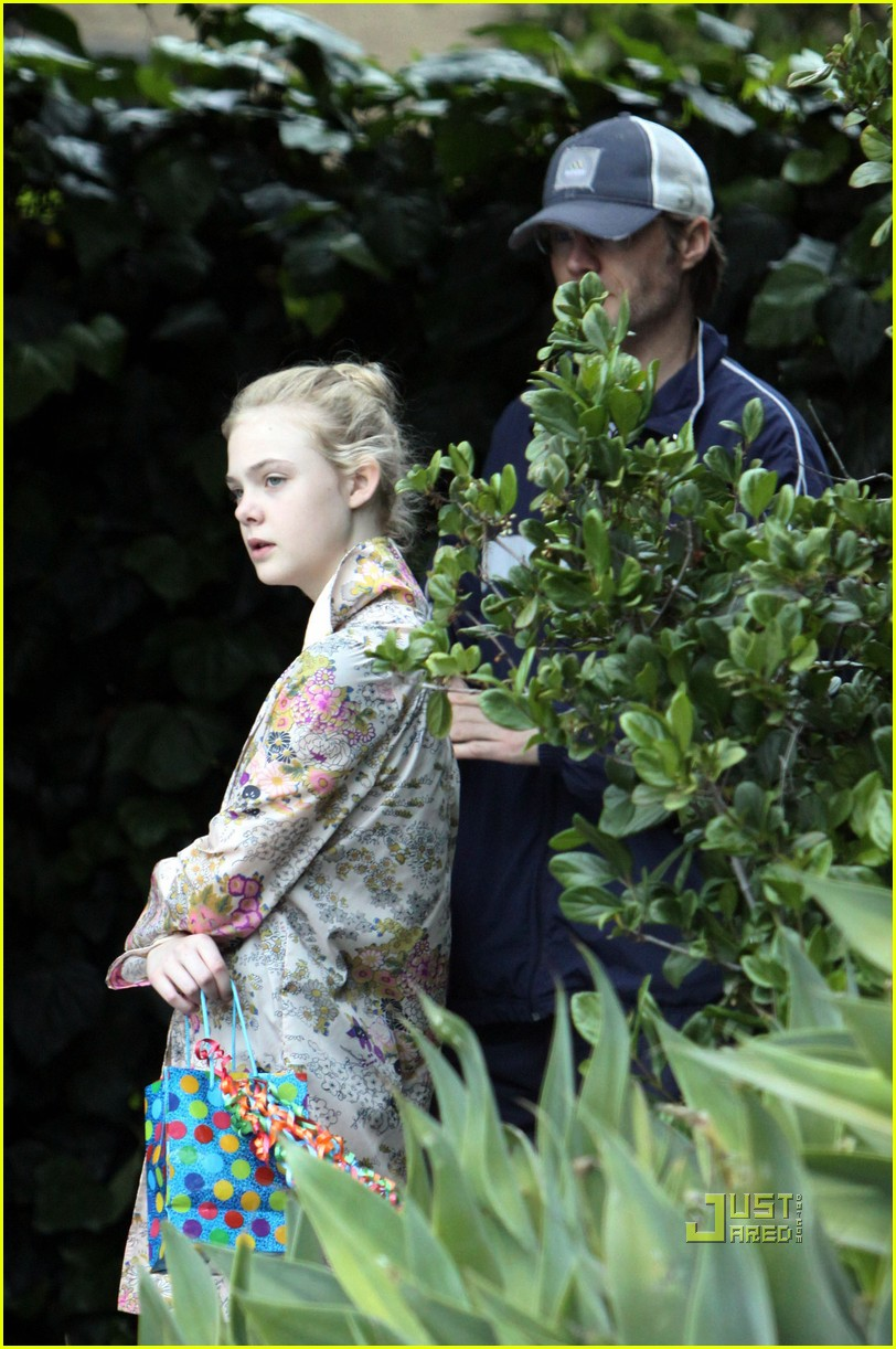 elle fanning ballet class belated birthday 06