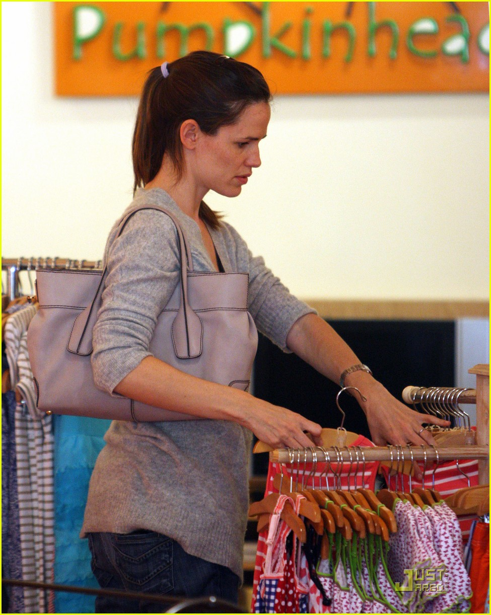 jennifer garner shopping girls 13