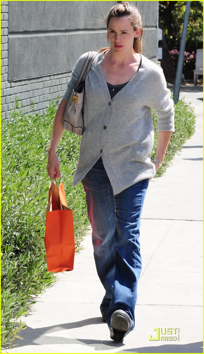 jennifer garner shopping girls 16