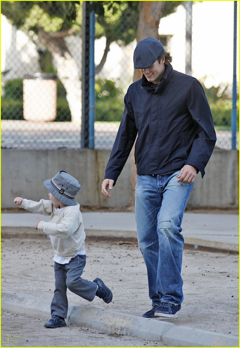 gisele bundchen tom brady playground 082446947