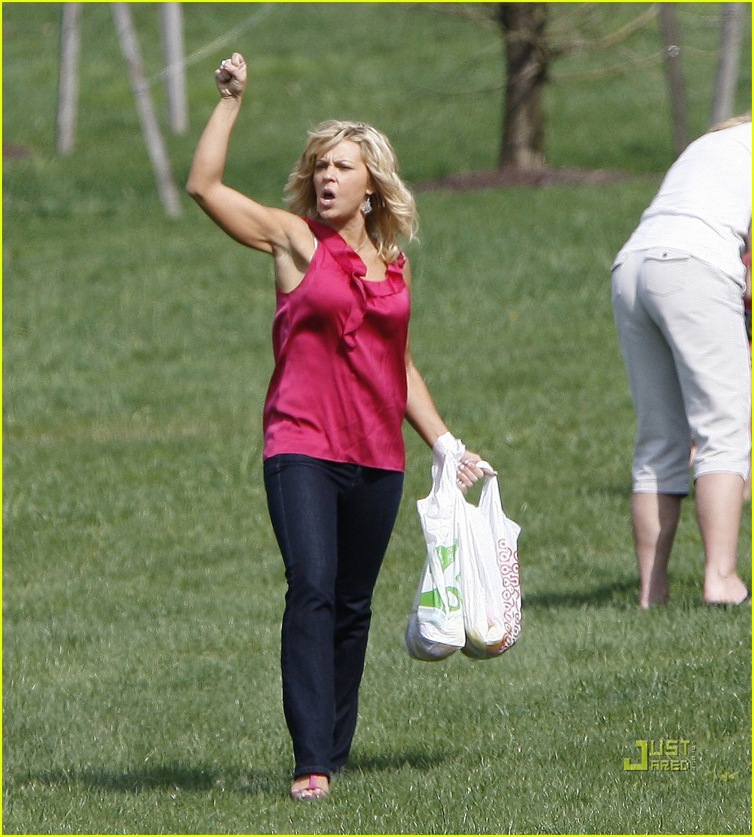 kate gosselin easter egg hunt 03