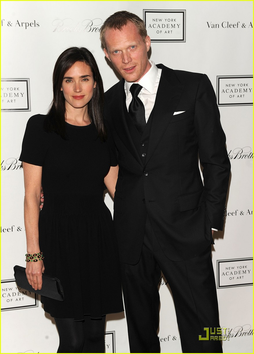 full sized photo of jennifer connelly paul bettany ny academy of art 06 photo 2442331 just jared. Black Bedroom Furniture Sets. Home Design Ideas