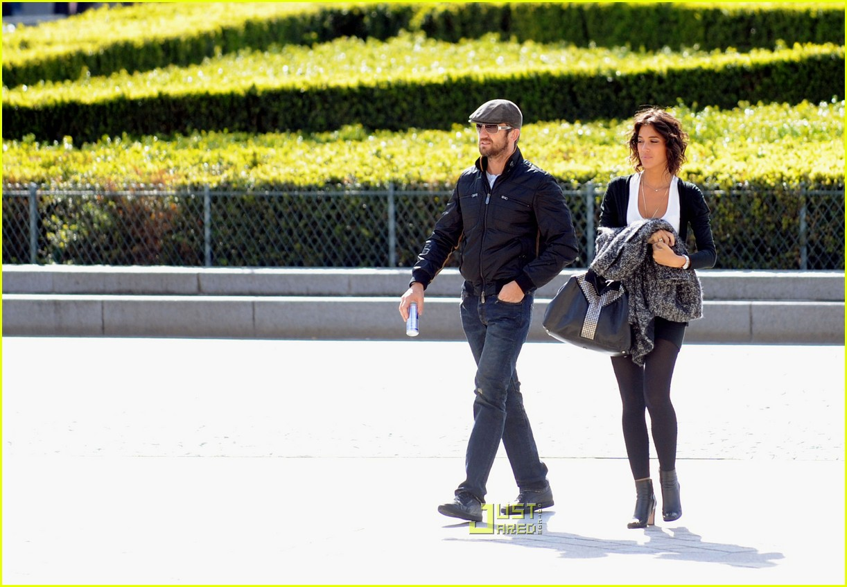 gerard butler laurie cholewa date 15