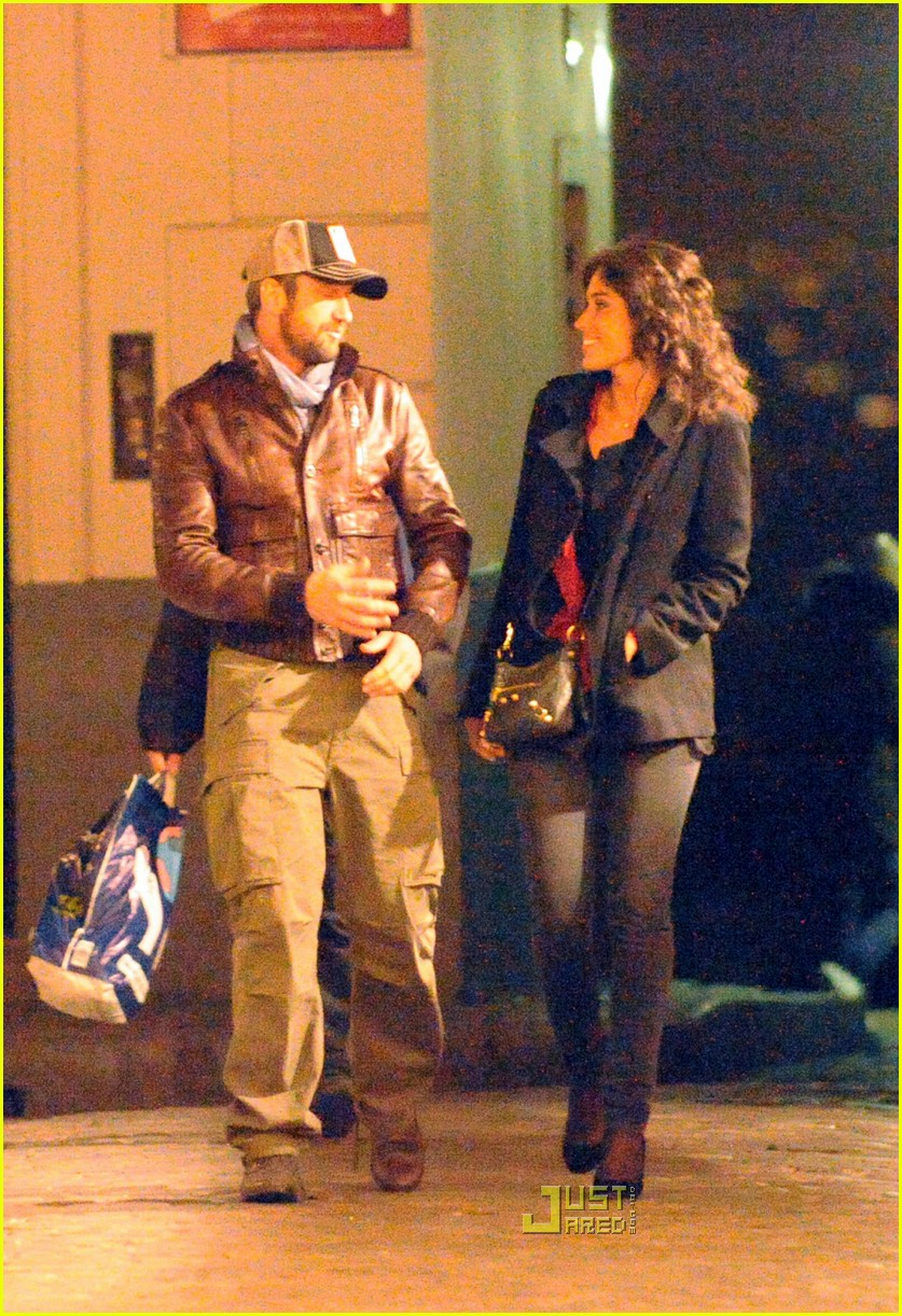 Gerard Butler & Laurie Cholewa's Date -- FIRST PICS Gerard Butler