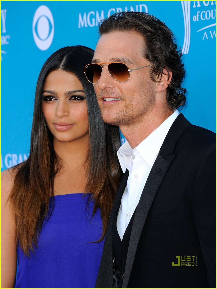 matthew mcconaughey acm awards camila alves 07